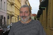 Hůlka (49) Po sedmi letech samoty: SBALIL MLADOU TLUMOČNICI!