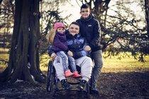 Bojovník Denis Knébl (14) se svalovou distrofií: Už dokáže zvednout hlavu!