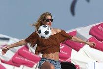 Andílek Victoria's Secret: Super fit i po dětech!