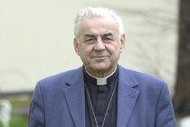 Nemocný kardinál Vlk (84): První slova o rakovině plic!