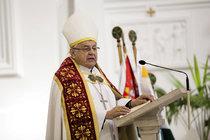 Kardinál Vlk se s rakovinou uchýlil na faru: Trápí ho bolesti i mrazy!