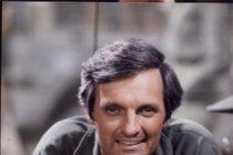 Ťukněte si s celebritou! Herec Alan Alda slaví 81