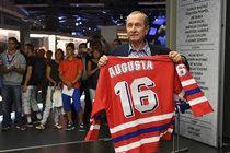 Pohřeb hokejového šampiona Augusty (†70): Sbohem, Pepíku!