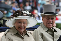 Alžběta II. (91) a Philip (95): Devadesátka?! Ta pro nás neplatí...
