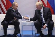 První setkání Trumpa s Putinem: Stisk rukou ve válečné zóně!