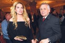 Režiséra prý našla v jeho bytě manželka Olga.