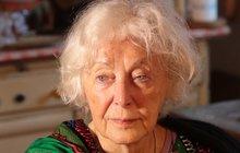 Dlouho byla Květa Fialová (85) akční dáma, která ve svém vysokém věku stále hrála a chodila na společenské akce, kde neváhala komentovat a někdy i nechtít urazit, své kolegy. Všechno ale změnil infarkt. Ten herečka dokonce dlouho »přecházela«.