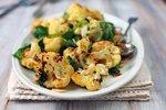 Podzimní květákové recepty: Polévky, kari i lahodné placičky