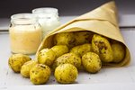 Nejlepší recepty z nových brambor: Jsou levné, zdravé a nemusí se loupat