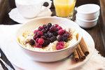 Kombinace vanilky a lesního ovoce je v tomto dezertu prostě neodolatelná.