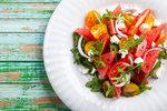 Letní saláty: Jsou skvělé jako lehký oběd i ke grilovanému masu