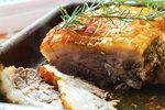 Recepty na šťavnatý bůček: Pomalu pečený, marinovaný nebo s nádivkou!