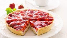 Udělejte si v neděli dokonalý dezert z prvních letošních jahod