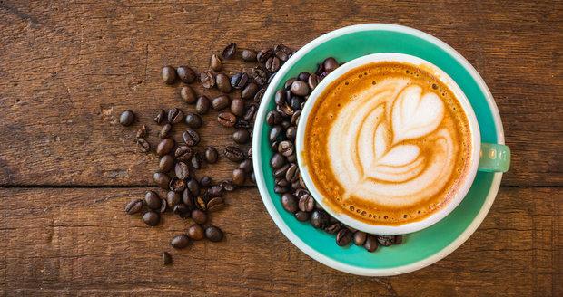 Naučte se kreslit do cappuccina jako profesionál! Poradíme vám, jak na techniku latte art