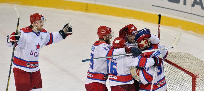 Radost hráčů CSKA Moskva, kteří vedou v sérii nad Slovanem Bratislava 2:0. (archivní foto)