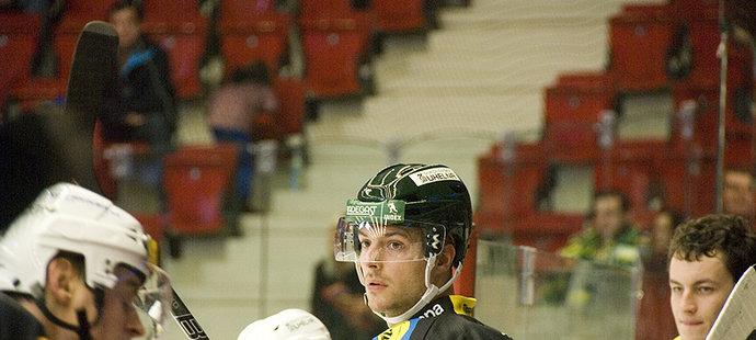 Takhle nosil Michal Gulaši vítěznou helmu před dvěma lety.