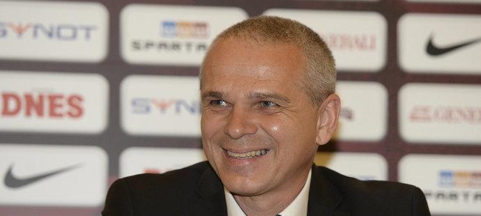 Vítězslav Lavička na tiskové konferenci Sparty, která potvrdila příchody Kadlece a Řezníčka...