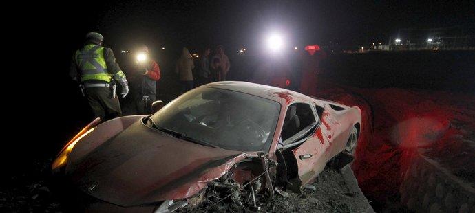 Nabourané Ferrari chilské fotbalové hvězdy Artura Vidala