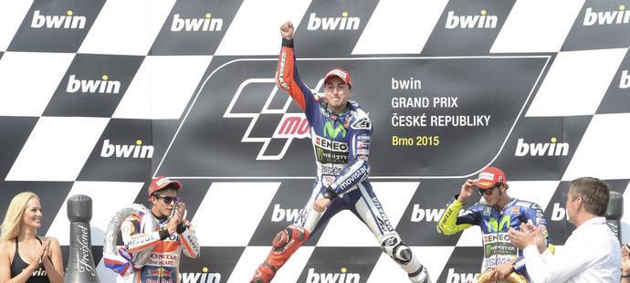 Lorenzo oslavuje výhru na MotoGP v Brně