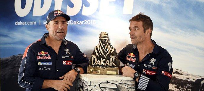 Stéphane Peterhansel a Sébastien Loeb budou trumfy Peugeotu