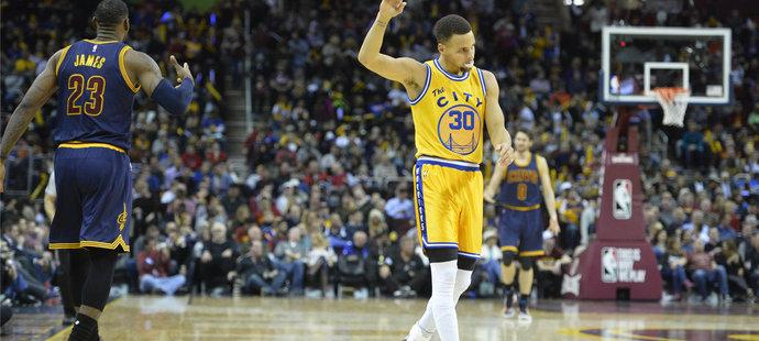 Stephen Curry přispěl k výhře 35 body