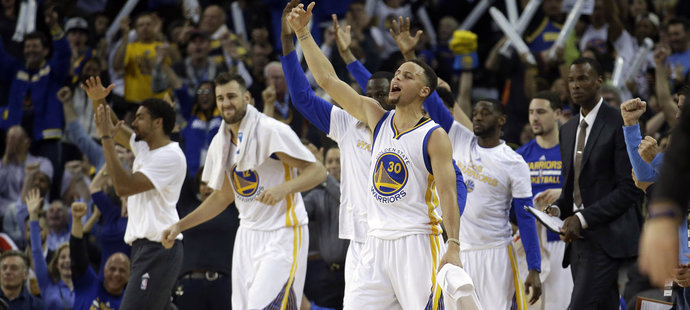 Warriors vyhráli na domácím hřišti už 44. zápas za sebou