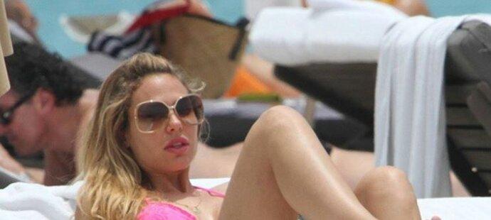 Ilary není taková dračice, jak to vypadá. Zato její manžel fotbalista Totti je sexuální mašina!