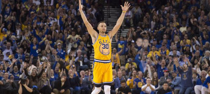 Stephen Curry si připsal 26 bodů