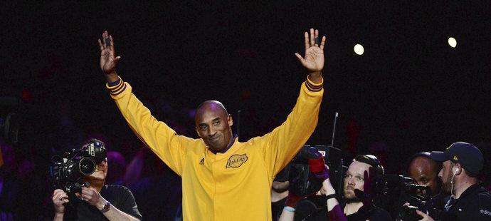Legendární basketbalista Kobe Bryant ukončil kariéru