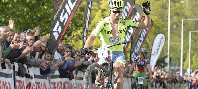 Na snímku dojíždí na 4. místě Peter Sagan ze Slovenska