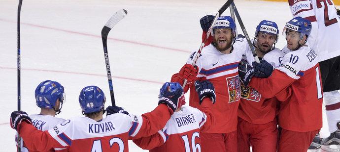 Čeští hokejisté se na výhru nad Lotyšskem hodně nadřeli