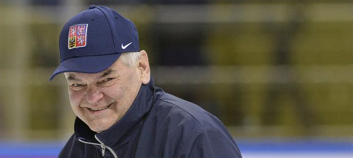 Trenér Vladimír Vůjtek při tréninku hokejové reprezentace na mistrovství světa
