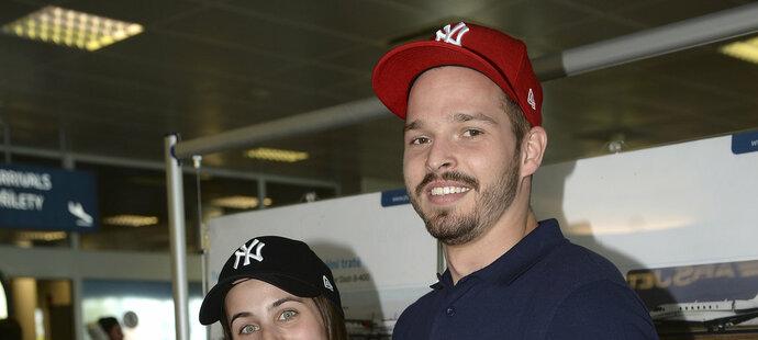 Furchova přítelkyně Kateřina letěla z Moskvy s hokejisty.