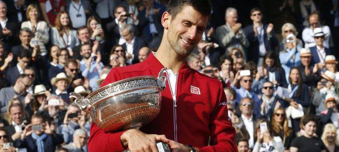 Djokovič zlomil prokletí! Smetl Murrayho a poprvé ovládl French Open