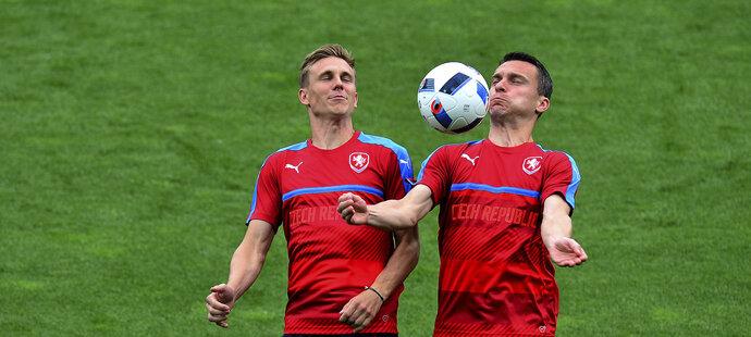 Bořek Dočkal a David Lafata na tréninku fotbalové reprezentace