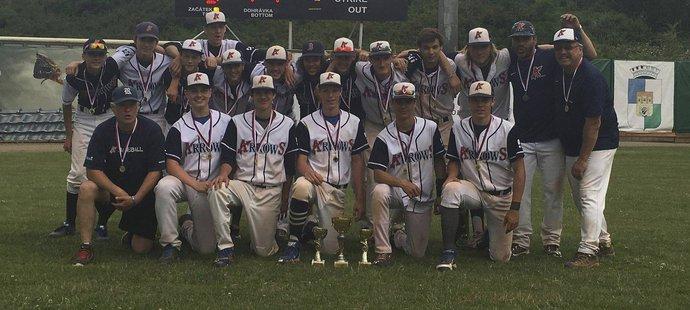 Baseballisté Arrows Ostrava obhájili vítězství v Českém baseballovém poháru do 18 let. Druhá skončila Třebíč, třetí Draci Brno