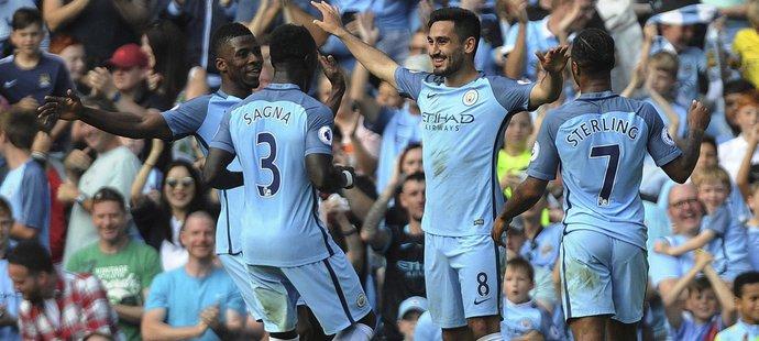 Záložník lkay Gundogan slaví první gól v dresu Manchesteru City