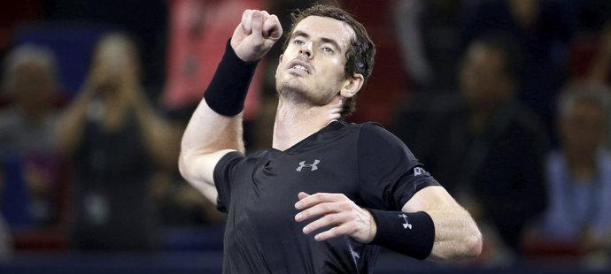Andy Murray ve finále jasně vládl