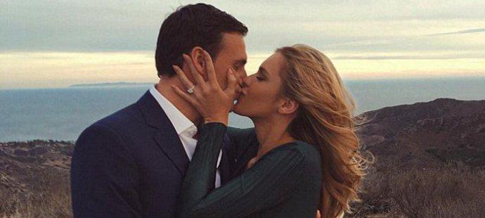 """Zase lhal! Plavec Lochte tvrdil, že je """"single"""". Přitom už měsíce randil s modelkou"""