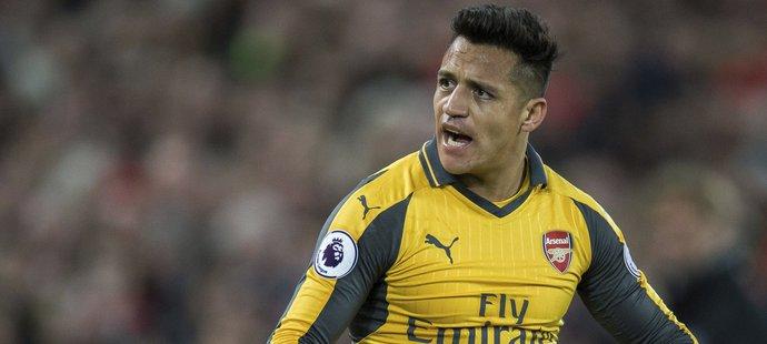 Alexis Sánchez nemá v Arsenalu ideální pozici