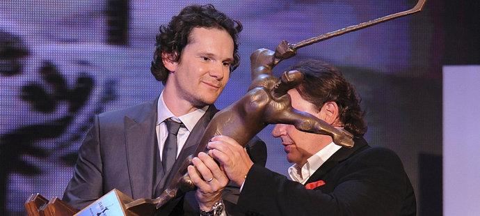 V roce 2009 získal Patrik Eliáš Zlatou hokejku
