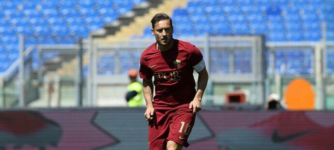 Francesco Totti se stal klubovou legendou. Během kariéry odmítl řadu špičkových klubů