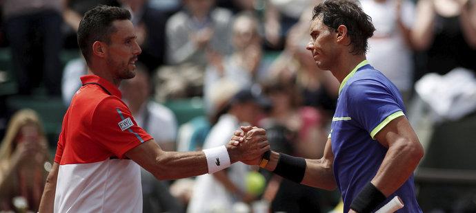 Roberto Bautista-Agut s pozdějším vítězem French Open 2017 Rafaelem Nadalem