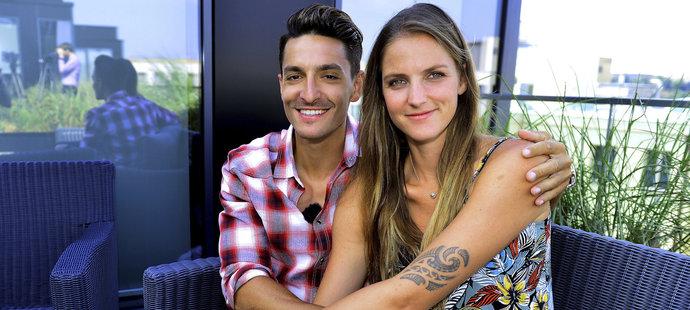 Michal Hrdlička s Karolínou Plíškovou při natáčení pořadu Česká ulička pro DIGI TV