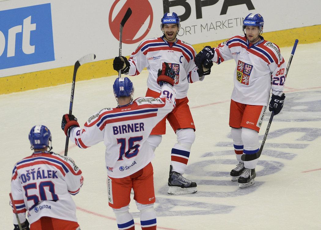 Úvodn branku druhého zápasu s Norskem vstřelil Jan Kolář, který vedl tým jako kapitán