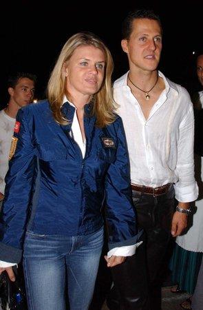 Corinna Schumacherová s manželem za šťastnějších časů...