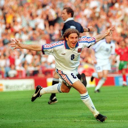 Karel Poborský a chvíle po jeho památném lobu ve čtvrtfinále mistrovství Evropy 1996