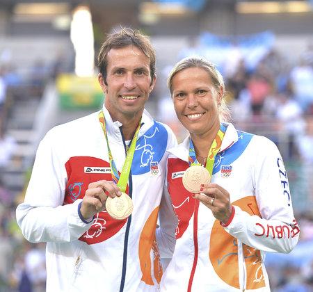 Radek Štěpánek a Lucie Hradecká skončili na olympiádě v Riu s bronzovou medailí za turnaj v mixu