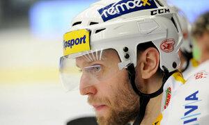 Místo KHL jen 1. liga. Růžička mladší se na rok upsal Chomutovu
