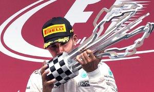 Hamilton je s kvalitou trofejí skutečně nespokojený.